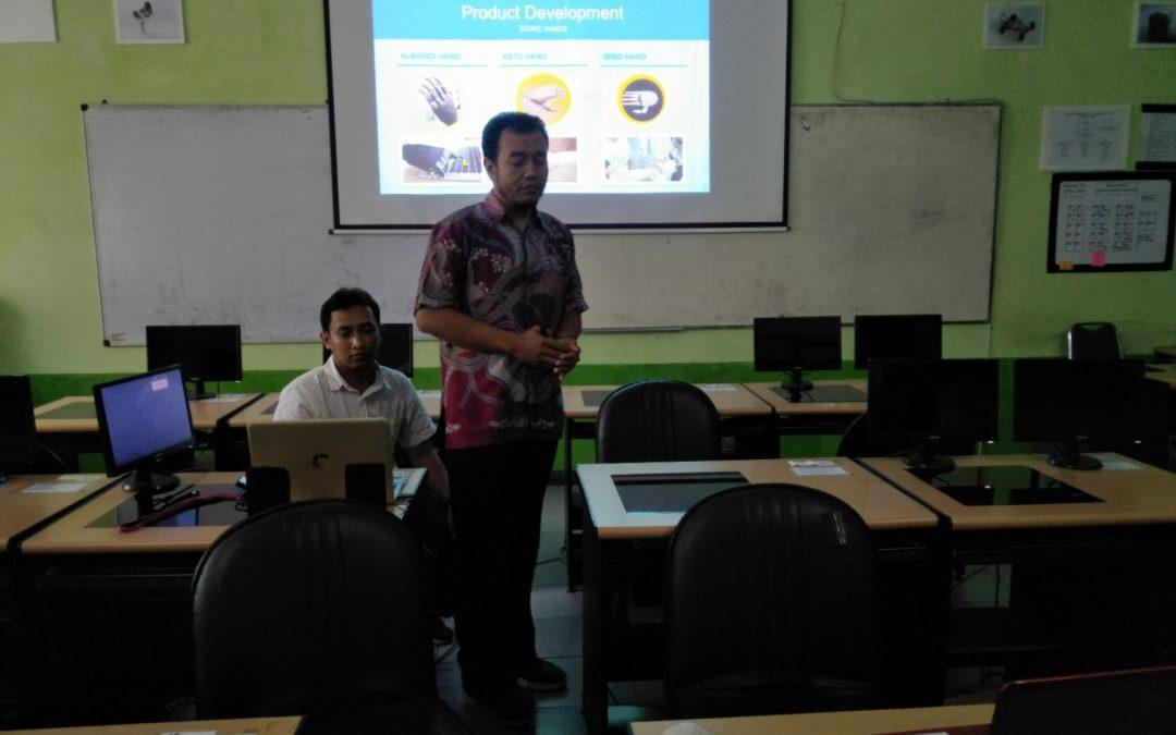 Teleconference dengan Dekan Faculty of Integrated Technology, University of Brunei Darussalam, Brunei